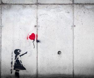6iM5GOht664 Mädchen mit Herzluftballon